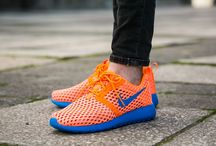 "Nike Roshe One Flight Weight (GS) ""Total Orange"" (705485-801)"