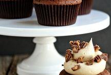 Cakes, Cupcakes, Pies, & Desserts / by Lori Ragus-Spallina