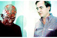 Hommage à Wes Craven / Wes Craven, l'un des réalisateurs horrifiques Américains préférés, est parti ce dimanche 30 août 2015. Je suis clairement en deuil ! RIP ! http://place-to-be.net/index.php/rubrique-a-brac/biographies/517-wes-craven