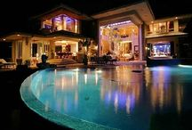 Homes of the Rich & Famous / by Lisa Soles