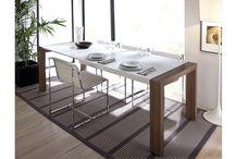 Sillas y mesas / Bonitas sillas y mesas de aire elegante y moderno que quedarán genial en cualquier estancia de tu hogar.