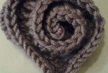 crochet brooch - háčkované brošne