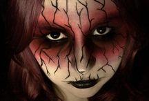 Makeup / by Rosanna Fiorucci
