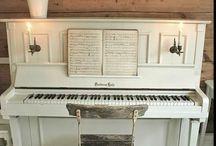 Shabby chic piano