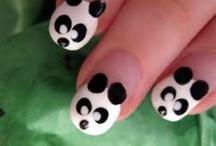 nails / by Amanda Hume