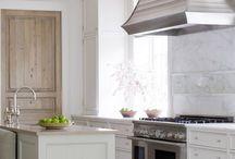 Kitchens / by Kathleen Delio