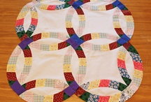 Double Wedding Ring Quilt / by Anjeanette
