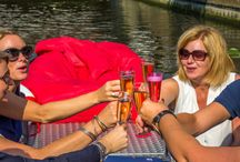 Borrelen in Den Haag / Kom lekker borrelen bij ons aan boord en beleef een geweldige tijd in de grachten van Den Haag en Scheveningen.