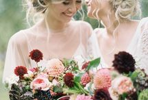 Wedding Flowers / Beautiful bouquets, centre pieces and headdresses for your wedding day.