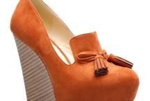 Shoes / by Yasmine Majors