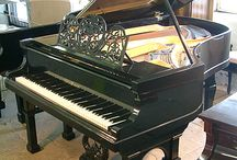 Pianos Previously Owned by Famous People / Pianos Previously Owned by Famous People