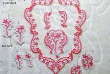 EmbroideryRady * JEWELRY * necklace * bracelet * / Machine embroidery design. La conception de broderie de la machine. Maschinenstickerei Design. Il design della macchina da ricamo. Gépi hímzés design. Diseño de la máquina de bordar. Design de máquina de bordar.