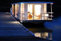 Houseboat Paradise