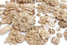CARVED ROSETTES / РЕЗНЫЕ РОЗЕТКИ / Розетка /франц., нем. Rosette – розочка, бант от Rose, лат. rosa – роза/ - архитектурно-декоративная деталь в виде цветка или нескольких симметрично расположенных листьев. Розетка, как элемент орнамента, появилась еще Древнем Египте в виде стилизованного цветка лотоса; в архитектуре классицизма и ампира розетками декорировались кессоны. Розетки бывают различных форм: круглые, квадратные, прямоугольные, овальные… Они широко применяются в производстве мебели и интерьеров из дерева.