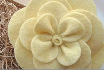 Yarn Wreaths and Felt Flower Ideas