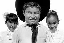 La Gente - The People of Mexico / This is what the people of Mexico look like. Not what what's his name would like you to think.  From my broken Spanish: Este es el aspecto de la gente de México. No lo que su nombre le gustaría que pensar.