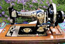 I LOVE OLD SEWING MACHINES