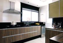 Cozinhas Inspiradoras / Bancadas, móveis planejados, cubas e torneiras para inspirar