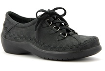 Ziera shoes and boots / Ziera is a comfort footwear company from New Zealand. Founded on the principle of providing the best possible for their customers. You will be amazed how many comfort features such as arch support and cushion Ziera crams into such beautiful shoes. Available in wide widths as well!