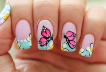 como hacer decoración de uñas / es bueno compartir con todas las chicas que quieren aprender a hacer decorados en uñas a demás que decorar uñas es algo hermoso