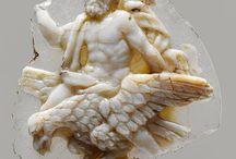 Ørn, eagle / zevs/Jupiter sitter på ei ørn