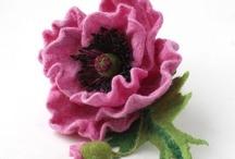 Валяные цветы и украшения