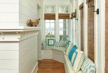 Entrées | entries / Anything entrée related | Toute la décoration et l'organisation de l'entrée, point essentiel de la maison !