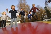 Airtrampoline, sportveld & speeltuinen / Kinderen kunnen zich hele dagen vermaken in de diverse speeltuinen, op het sportveld of airtrampoline.
