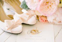 Wedding Ring Photo Styling Inspiration / Wedding photography ideas for wedding ring styling