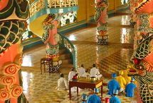 Cao Dai Temple Tay Ninh / The third experience during our studytrip; a visit to the Cao Dai temple in Tay Ninh. During the visit we will attend a mass and have a tour through the tempel and the gardens. #3MTT #NHTV