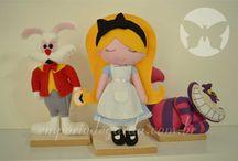 Personagens em feltro para mesa decorada / Personagens em feltro para mesas decoradas. Acompanha pedestal. Fazemos outros bonecos