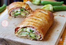pasta sfoglia rettangolare x rotolo zucchine,cotto,e lerdammer,in forno. facile e buonissima