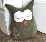 Owl Patterns & Projects / Everyone loves Owls.  This is a board of Patterns to make owls and various owl projects for visual inspiration for sewing and felting.  / by BlissfulPatterns