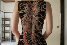 タトゥーをした女性