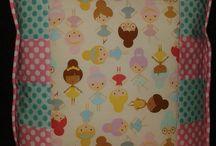 veselé patchwork vankúše a dekorácie