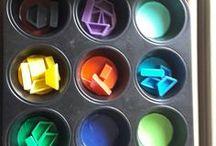 Spiele mit Farben für kleine Kinder