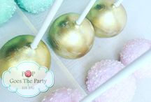 Wedding Cake Pops / A collection of various wedding cake pops.
