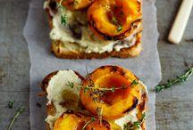 Brioche with roasted peaches and mascarpone