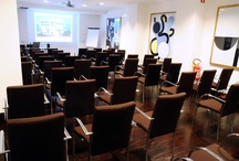 Meeting Rooms / A welcoming yet private venue for business meetings in Rome. info@hotelpulitzer.it | +39 06 598591