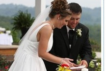 Pigeon Forge Weddings / Interested in Smoky Mountain Weddings? Whatever your dream wedding, you can choose from log chapels, a private ceremony in your cabin, elegant Victorian chapels, picturesque mountaintop chapels, or charming storefront chapels to make your wedding the day of your dreams.