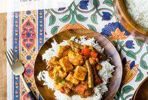 Food : curries/Indian/Thai / by Sara Habein