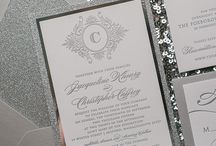 Wedding Trends: Silver / Silver is a classic wedding trend! This board is full of inspiration for your silver wedding!