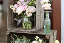 Wooden Crates | Ways To Use Wooden Crates At Weddings / Wooden Crates | Ways To Use Wooden Crates At Weddings