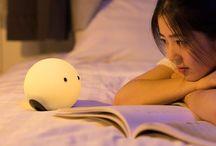 Veilleuse enfant / Lampe, veilleuse pour enfant avec changement de couleurs,sans fil. Il suffit de la charger pour une autonomie de plusieurs heures.