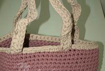 Bolsos / Bolsos realizados a crochet con trapillo