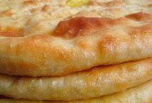 Выпечка: пироги, лепешки, хачапури