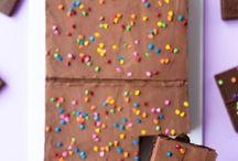 Bolos de aniversário / Ideias de bolo para festas infantis, bolos caseiros, tendências de estilos.