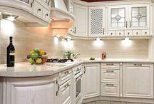 Kuchnie klasyczne / Klasyczne meble kuchenne na wymiar. Tradycyjny styl i elegancja w kuchni.