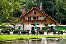 Lokaties waar ik als zangeres opgetreden heb / Diverse lokaties in Nederland en daarbuiten waar ik oa heb opgetreden. Woonkamers, tuinen en dergelijke staan er natuurlijk niet op.