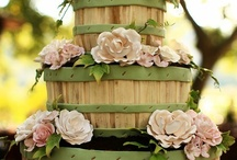Wedding Cakes We Love / Just some cakes that we thought were beautiful to help inspire your wedding cake!